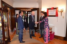 Vietnam honours Canadian officials for boosting bilateral ties