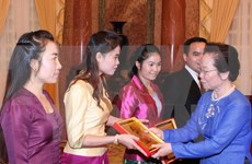 Vice President Doan meets Lao students
