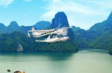 Seaplane tours to Ha Long serve 3,500 passengers in a year