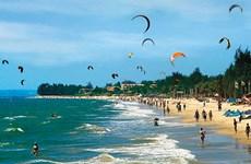 Binh Thuan to focus on sea sports, leisure tourism