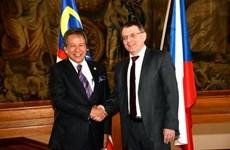 Malaysia, Czech Republic secure bonds in trade, education, tourism