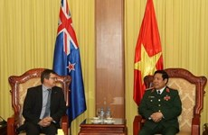 Defence Minister receives New Zealand defence official