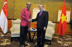 VFF leader greets Singaporean Deputy Prime Minister