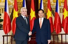 Czech Senate President highly values Vietnamese community