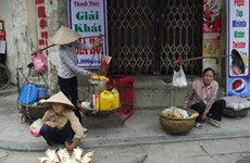 Street vendors struggle amidst global integration