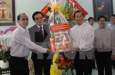 Front leader extends Christmas greetings to Phu Cuong diocese