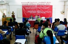 Vietnam provides professional training for Lao journalists