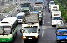 Gov't keeps eye on carriers after drop in fuel prices