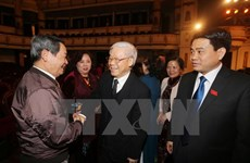 Leaders meet Hanoi NA deputies of different generations
