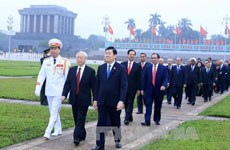 Top leaders pay tribute to late President Ho Chi Minh
