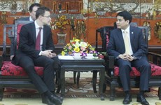 Hanoi leader welcomes Hungarian, Singaporean, UK officials