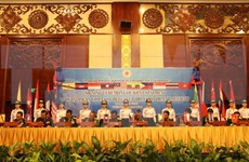 ASEAN defence chiefs emphasise peace in East Sea