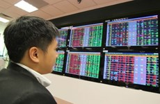 Vietnam's stocks down on lower oil prices