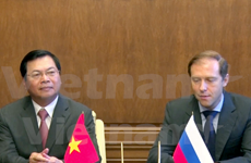 Vietnam, Russia sign protocol on industry cooperation