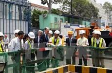 UK Foreign Secretary visits HCM City