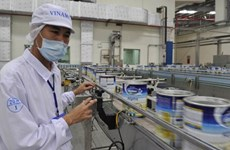 Vinamilk opens dairy plant in Cambodia