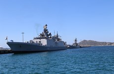 Indian naval ships make port call at Cam Ranh International port