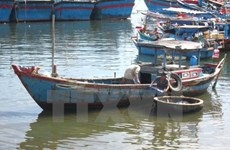Fishermen hit by Philippine vessel return home safely