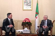Algeria's senate speaker receives outgoing Vietnamese ambassador