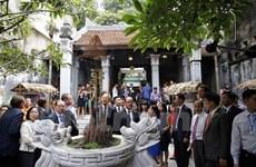 French President hails preservation of Hanoi Old Quarter