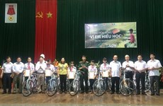 Viettel gives bicycles to studious students in Thanh Hoa