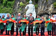 Statue of Soviet cosmonaut Titov revealed in Ha Long Bay