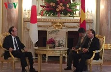 Vietnamese official greets Japanese Credit Saison leader