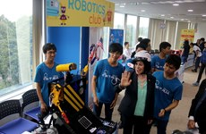 American Centre in HCM City welcomes 80,000 visitors