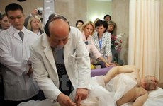 Traditional Vietnamese acupuncture shines in Russia