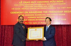 Former World Vision national director receives Friendship Medal