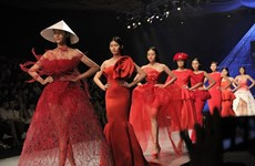 900 designs on show at Spring/Summer 2016 Fashion Week