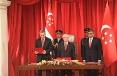 PM Nguyen Tan Dung congratulates Singaporean counterpart