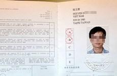 Vietnam begins issuing international driving licenses