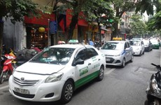 Taxi firms to cut rates as petrol prices plunge