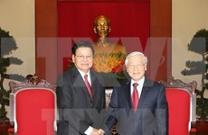 Party chief receives Lao Prime Minister