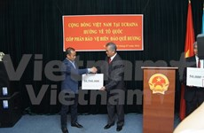 Overseas Vietnamese pay tribute to heroic martyrs