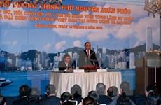 PM meets Vietnamese expatriates in Hong Kong, Macau