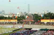 Vietnam continues receiving greetings on National Day