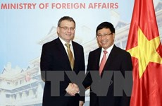 Deputy PM Minh holds talks with Czech Foreign Minister