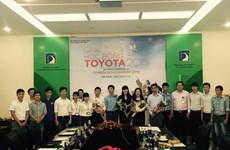 Toyota Vietnam awards scholarships to students