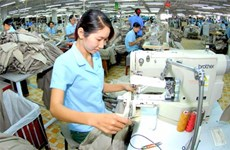 Sustainable growth of industrial exports discussed in Hanoi