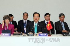 PM co-chairs high-level dialogue on climate change in Mekong Delta