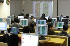Vietnam's shares led up by banks