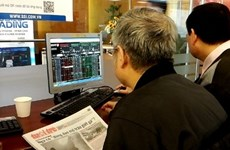 Vietnamese shares mixed; energy stocks fall