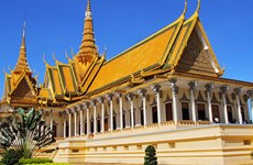 Lao tourism flourishes in 2015