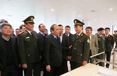 Deputy PM examines Noi Bai Airport before Tet