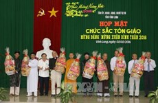 Religious dignitaries, OVs in Mekong Delta celebrate Tet