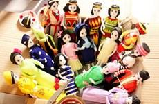 Paper dolls convey Vietnamese culture