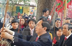 Incense offering ceremony held in Thang Long Royal Citadel