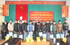 Over 1 million poor nationals receive rice support during Tet